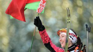 Darja Domratjeva vann totalcupen i skidskytte säsongen 2014-2015.