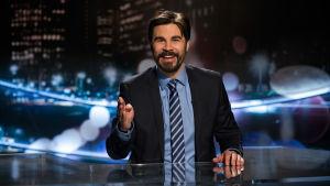 Noin viikon uutiset -ohjelman ankkuri Jukka Lindström.