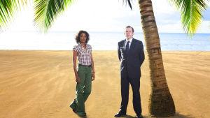 Kuvassa Camille (Sara Martins) ja Richard Poole (Ben Miller)