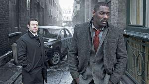 Justin Ripley (Warren Brown) ja John Luther (Idris Elba)