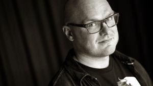 Kulttuuritoimittaja Tuomas Karemo
