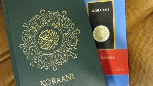 Kaksi Koraani-nidettä
