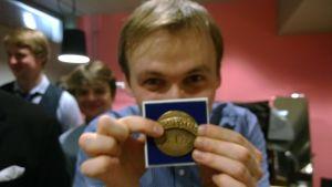 Nikita Boriso-Glebsky with his Sibelius Birth City Foundation Medal