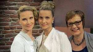 Kuvassa Hanna Mäkeläinen (vas.), Mari Savolainen, Hilla Blomberg