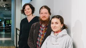 Mia Franck, Sampsa Oinaala ja Fanni Noroila Kavin käytävällä