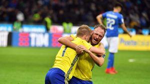 Andreas Granqvist kramar om Sebastian Larsson efter Italien-Sverige.