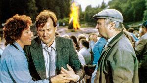 Akaton mies -elokuvassa Viitaniemen kylän isäntä etsii emäntää.