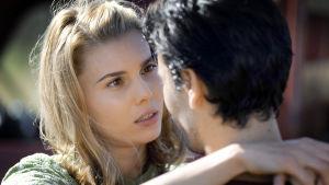 Suosikkisarjassa Kotiin takaisin näyttelee Abby Earl.