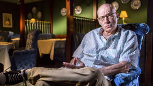 James Ellroy. Kuva tv-dokumentista L.A., rikoselokuvan kaupunki (Los Angeles Film Noir).