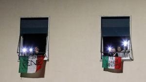 Uppmuntrande banderoller i Rom 15.3.2020