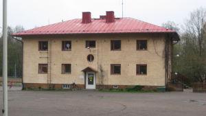 Stenhuset vid Kyrkfjärdens skola i Ingå.