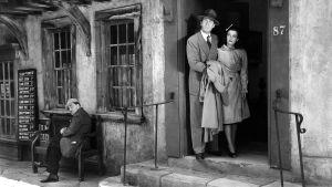 Joan Bennett ja Walter Pidgeon elokuvassa Ihmismetsästys.