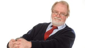 Yleisradion musiikkitoimittaja Veikko Ylikojola.