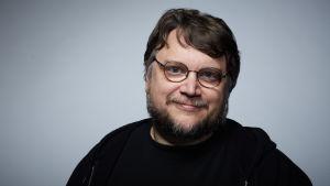 Porträtt av regissören Guillermo del Toro.