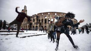 Snöbollskrig i Rom.