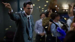 Leonrado DiCaprio elokuvassa The Wolf of Wall Street.