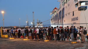 I tisdags anlände 200 migranter från Lampedusa till Porto Empedocie på Sicilien.