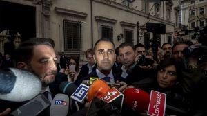 Luigi Di Maio talade med medier efter regeringssammanträdet i Rom på tisdag kväll