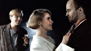 Pekka Valkeejärvi, Stina Ekblad ja Markku Toikka elokuvassa Suuri illusioni (1985).