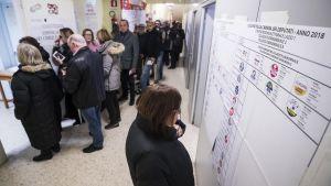 Väljare i parlamentsvalet i Italien mars 2018