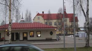 Blir Normens skola Nykarlebys förvaltningshus?