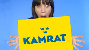 Kamrat på svenska -ohjelman toimittaja ja juontaja Anna Laine