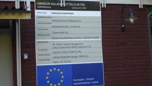 Den nya fiskhanteringshallen i Hangöby.