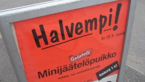 """Halvempi betyder """"Billigare"""" - Lidl satsar på svenskfritt i Västnyland."""