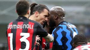 Hetlevrat mellan Ibrahimovic och Lukaku.