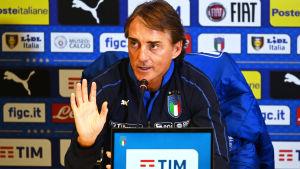 Roberto Mancini tränar det italienska landslaget.