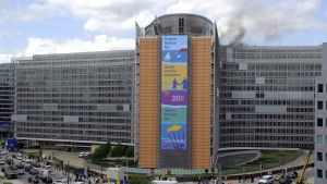 EU-kommissionen i Bryssel evakuerades p.g.a. brand.