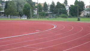 Löpbana på sportplan i Karis.