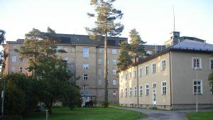 Byggnader på Mjölbolstaområdet i Karis.