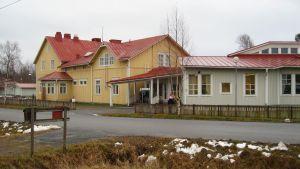 Gamla delen av Näs skola rivs för att ge plats för ett nybygge