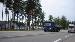 Trafik på riksväg 25 i Horsbäck.