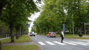 Övergångsställe vid Raseborgsvägen i Ekenäs.