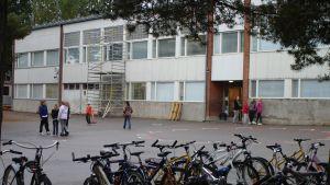 Kiilan koulus huvudbyggnad i Karis.