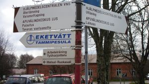 Skyltar på Ekåsenområdet i Ekenäs.
