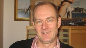 Chefen för intern service i Raseborg, Roald von Schoultz