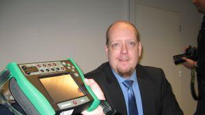 Vice vd Jan-Henrik Svensson presenterar Beamex nya världsunika kalibrator