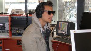 Eric Saade i studion i Jakobstad 19 mars 2013