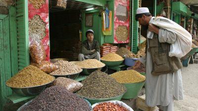 Gatuhandel i Kabul
