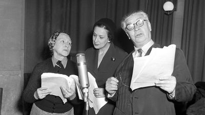 Den stora rollen spelas in 1954. Fr.v. Elsa Nyström, regissören Kerstin Nylander och Axel Slangus