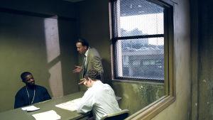 Paha poliisi - Määräsatama New Orleans. Kuvassa kesk. Terence McDonagh (Nicolas Cage). Yle Kuvapalvelu