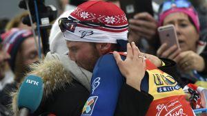 Martin Johnsrud Sundby firade med sin fru.