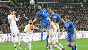 Jämnt och tätt mellan Italien och Spanien i Udine i mars 2016.
