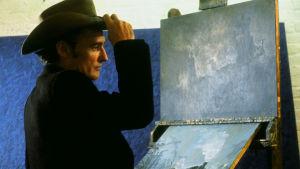 Dennis Hopper on Tom Ripley elokuvassa Amerikkalainen ystävä