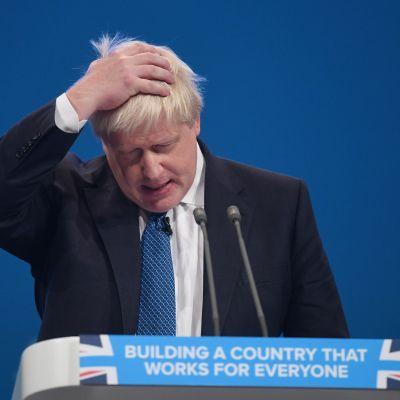 Utrikesminister Boris Johnson är ute i blåsväder igen på grund av en vits om lik i Libyen