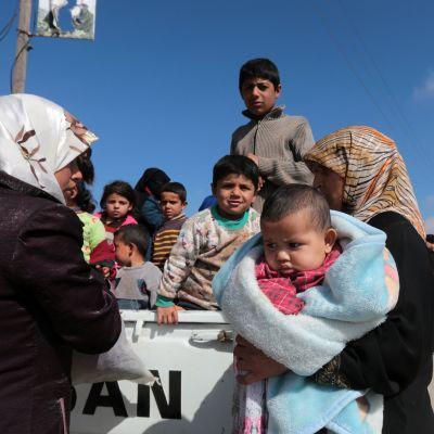 Över 150 000 civila har flytt söderut från Afrin under de senaste dagarna