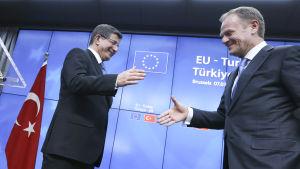 Ahmet Davutoglu och Donald Tusk.